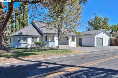Livermore Single Family Home Active - Contingent: 1480 Arroyo Rd