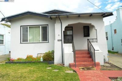 Oakland Single Family Home For Sale: 7866 Arthur