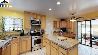 Newark Single Family Home For Sale: 6823 Normandy Dr