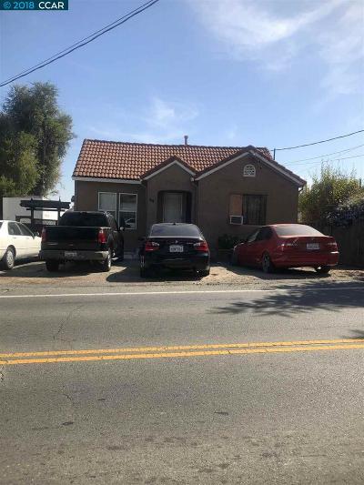 Martinez Single Family Home For Sale: 44 Morello Ave