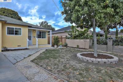 East Palo Alto CA Single Family Home For Sale: $848,000