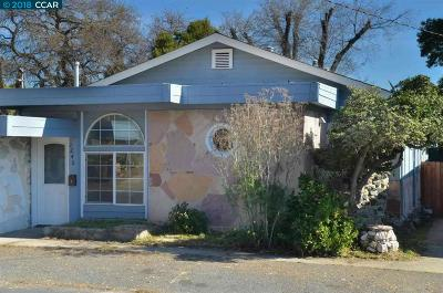 Martinez Single Family Home Pending Show For Backups: 1240 Vine Ave