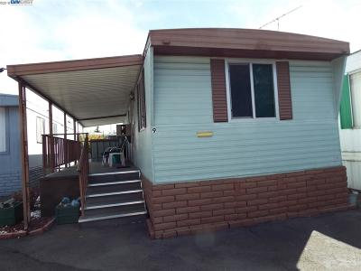 Hayward Mobile Home For Sale: 17754 Meekland #9