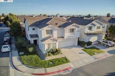 San Leandro Single Family Home For Sale: 2202 Oceanside Way