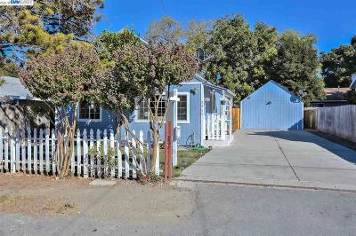 East Palo Alto CA Single Family Home For Sale: $798,000