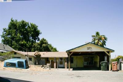Martinez Single Family Home New: 2350 Wayne St
