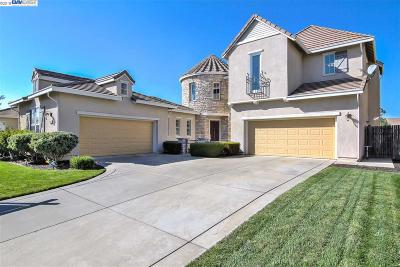 Elk Grove Single Family Home Active - Contingent: 9634 Hawkes Bay