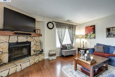 Hayward Condo/Townhouse For Sale: 1250 Sandy Bridges Court