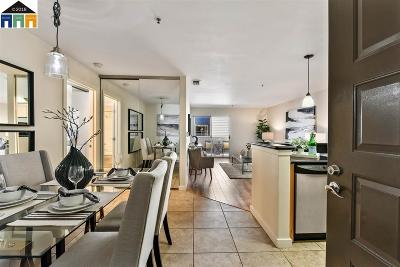 Emeryville Condo/Townhouse For Sale: 6400 Christie Ave. #4217