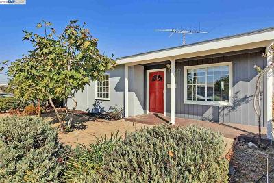 San Leandro Single Family Home For Sale: 2012 Arctic St
