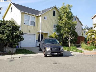 Oakland Single Family Home For Sale: 2465 Siesta Ln