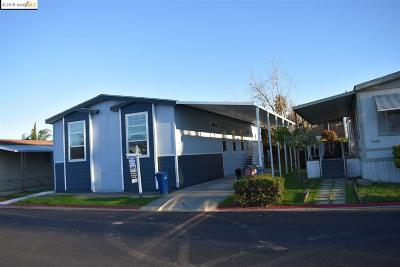 Pittsburg Mobile Home For Sale: 909 Dobrich Cir