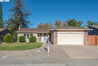 Livermore Single Family Home Pending Show For Backups: 112 Diamond Dr