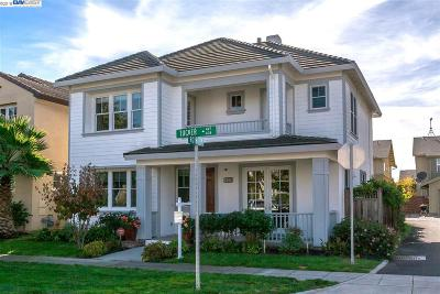 Alameda Single Family Home For Sale: 438 Tucker Ave