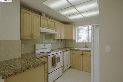San Jose Condo/Townhouse For Sale: 2621 Senter Creek Ct