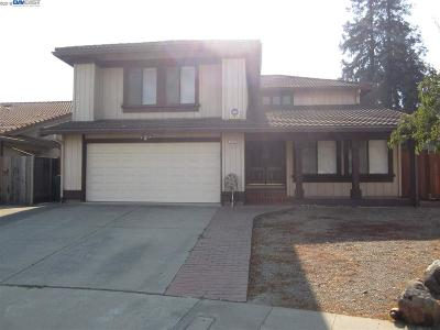 San Leandro Single Family Home Pending Show For Backups: 14763 Oleander St