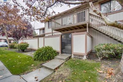 Union City Condo/Townhouse For Sale: 233 Entrada Plz