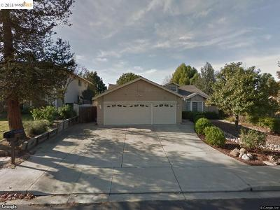 Antioch Single Family Home For Sale: 2838 Bellflower Dr