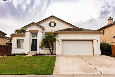 Discovery Bay Single Family Home Active - Contingent: 2338 S Newport Pl