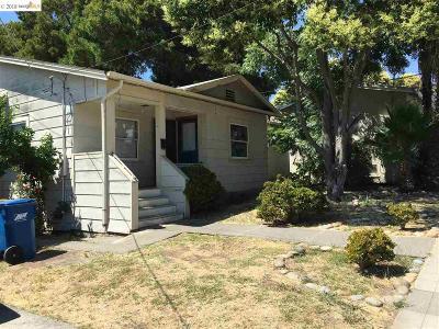 Martinez Single Family Home Active-Short Sale: 1425 Ash St