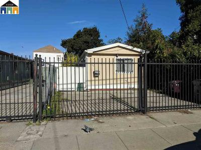 Oakland Single Family Home For Sale: 964 21st St
