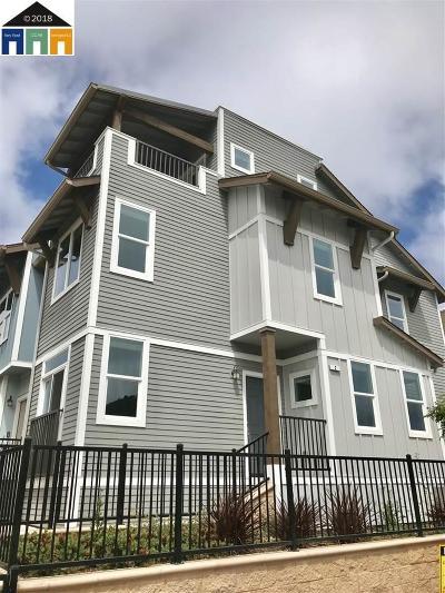 Condo/Townhouse New: 2 Rosebud Ct