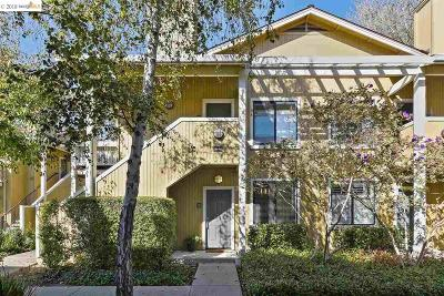Richmond Condo/Townhouse Back On Market: 167 Schooner Ct