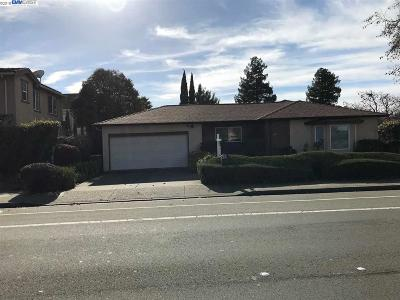 Union City Single Family Home New: 32677 Alvarado Niles Rd
