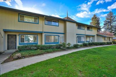 Fremont Condo/Townhouse For Sale: 3312 Howard Cmn