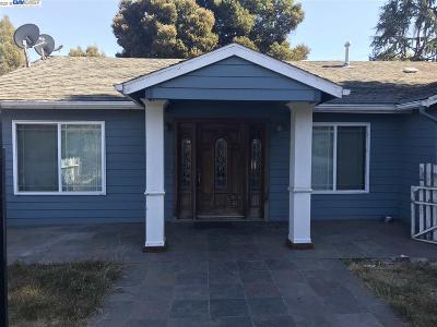 Oakland Single Family Home For Sale: 3714 Keller Ave