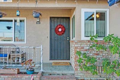 San Leandro Single Family Home For Sale: 15504 Farnsworth St