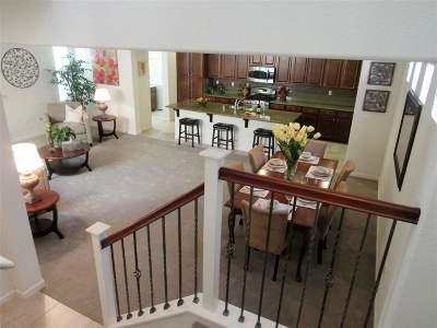 Mountain House Single Family Home Active - Contingent: 227 W Santa Cruz Way