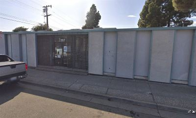 Contra Costa County Commercial For Sale: 207 37th St.