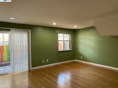 Hayward Condo/Townhouse Price Change: 27501 Huntwood Ave #3