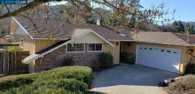 Orinda Single Family Home For Sale: 8 Wanflete Ct