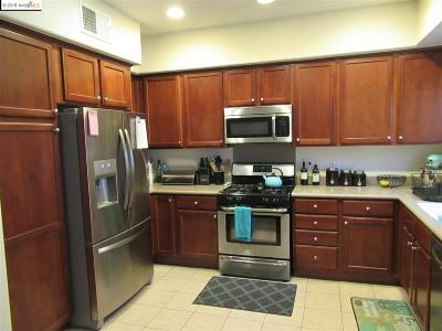 San Pablo Condo/Townhouse For Sale: 916 Lake St