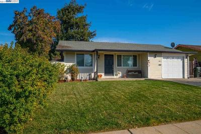 Livermore Single Family Home Pending Show For Backups: 1047 Hollyhock St
