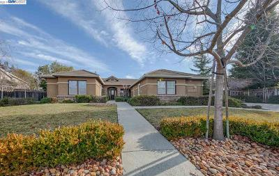 Livermore Single Family Home For Sale: 1896 Valley Of The Moon Rd