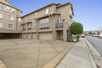 Oakland Condo/Townhouse For Sale: 1603 Chandler St #124