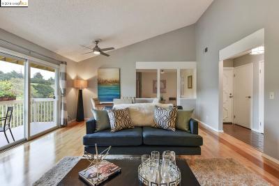 Oakland Condo/Townhouse For Sale: 8685 Mountain Blvd #36