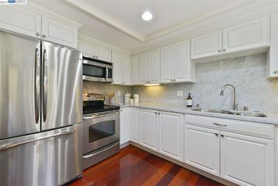 Danville, San Ramon Condo/Townhouse For Sale: 66 Leeds Court E