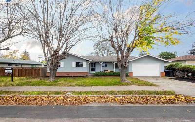 Pleasanton Single Family Home For Sale: 1322 Santa Rita Rd