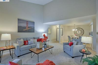 Fremont Condo/Townhouse For Sale: 39951 Fremont Blvd #322
