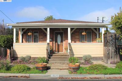 Martinez Single Family Home New: 405 Allen St