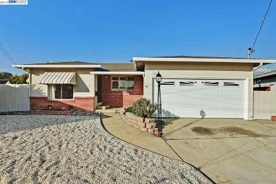 San Leandro Single Family Home For Sale: 3400 Del Monte Way