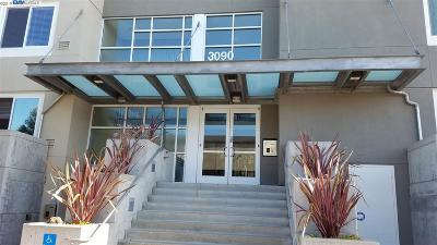 Oakland CA Condo/Townhouse New: $749,000