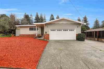 El Sobrante Single Family Home For Sale: 456 Pebble Dr