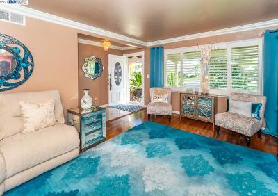 Hayward Single Family Home Pending Show For Backups: 25591 Calaroga Ave