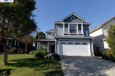 Union City Single Family Home Active - Contingent: 30857 Canterbury Way