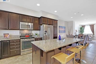 Fremont Condo/Townhouse Sold: 34131 Lugano Ter
